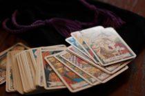 Miten Tarot-korttien tulkinta voi kertoa niin paljon?